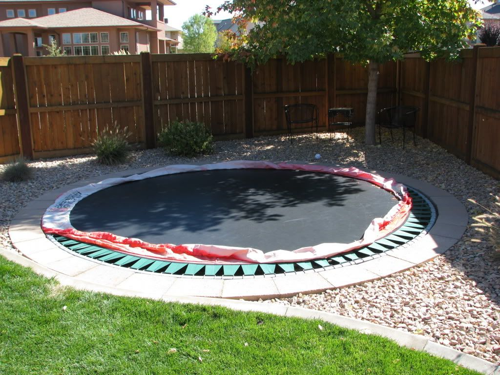 in ground trampoline jami 39 s landscape pinterest ground trampoline trampolines and yards. Black Bedroom Furniture Sets. Home Design Ideas
