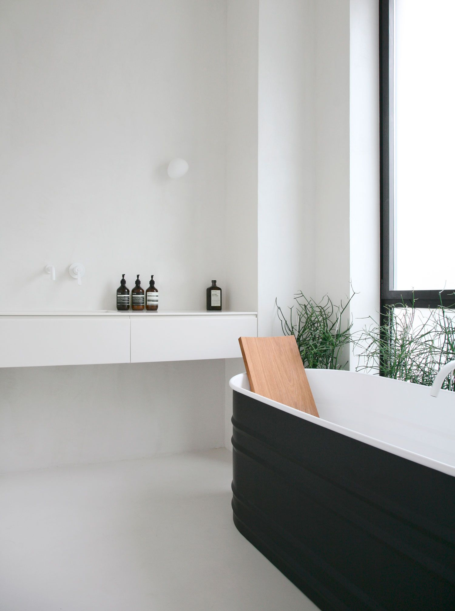 Get Your Zen On With This Minimalist Bathroom Design By Rue Du Japon Toulouse