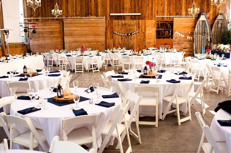 White 120 Round Tablecloths Navy Blue Napkins And Water Goblets