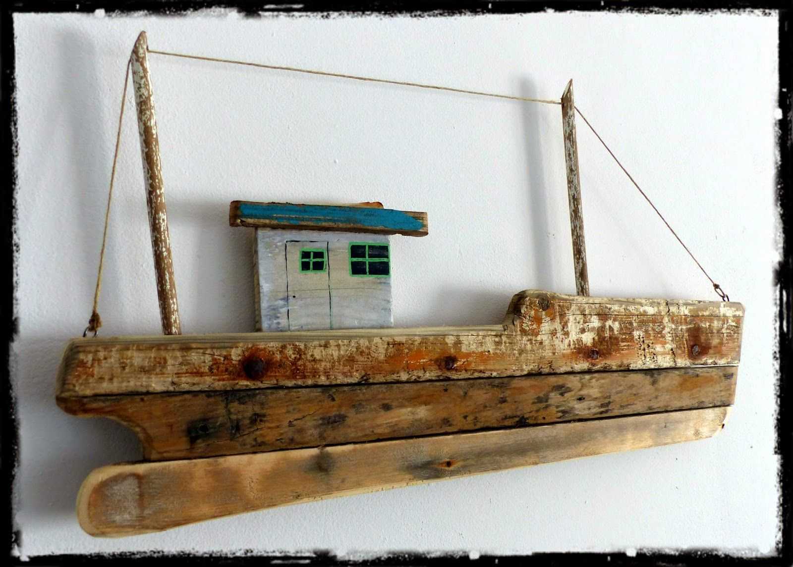Reclaimed wood fishing boat bois flotte pinterest for Bateau en bois flotte