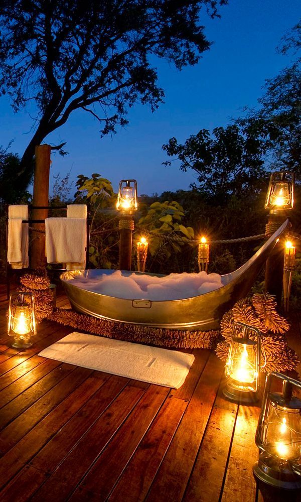 World's Best Outdoor Tubs Taking a bath outside sounds dreamy, but it isn't exactly easy. For one, it's not like you can just plop your tub outside in your backyard. Which may be why hotels and lodges that give you the option for a little al fresco soaking right in your room are becoming more and more common.Taking a bath outside sounds dreamy, but it isn'...