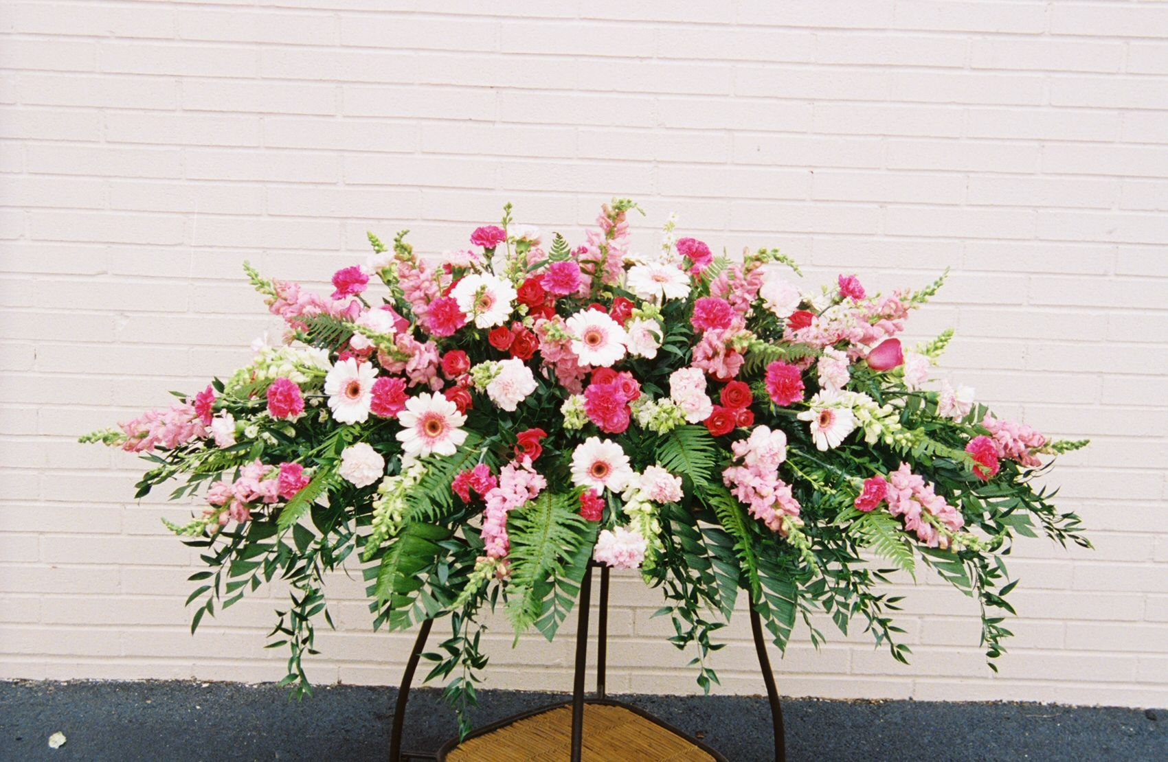 Funeral sprays google search floral and gardening pinterest funeral sprays google search izmirmasajfo