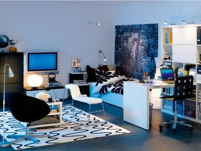 jugendzimmer dekoideen junge blau wei schwarz poster. Black Bedroom Furniture Sets. Home Design Ideas