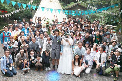 ウエディングの参加者 細かい人数制限のない場所だからこその100人パーティー ウエディング写真 アウトドアウェディング 結婚式 プラン