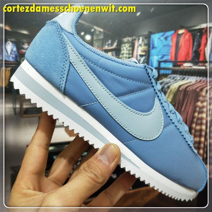new concept a05ad ae421 Nike Classic Cortez Nylon Damesschoenen 749864-401 Blauw Wit