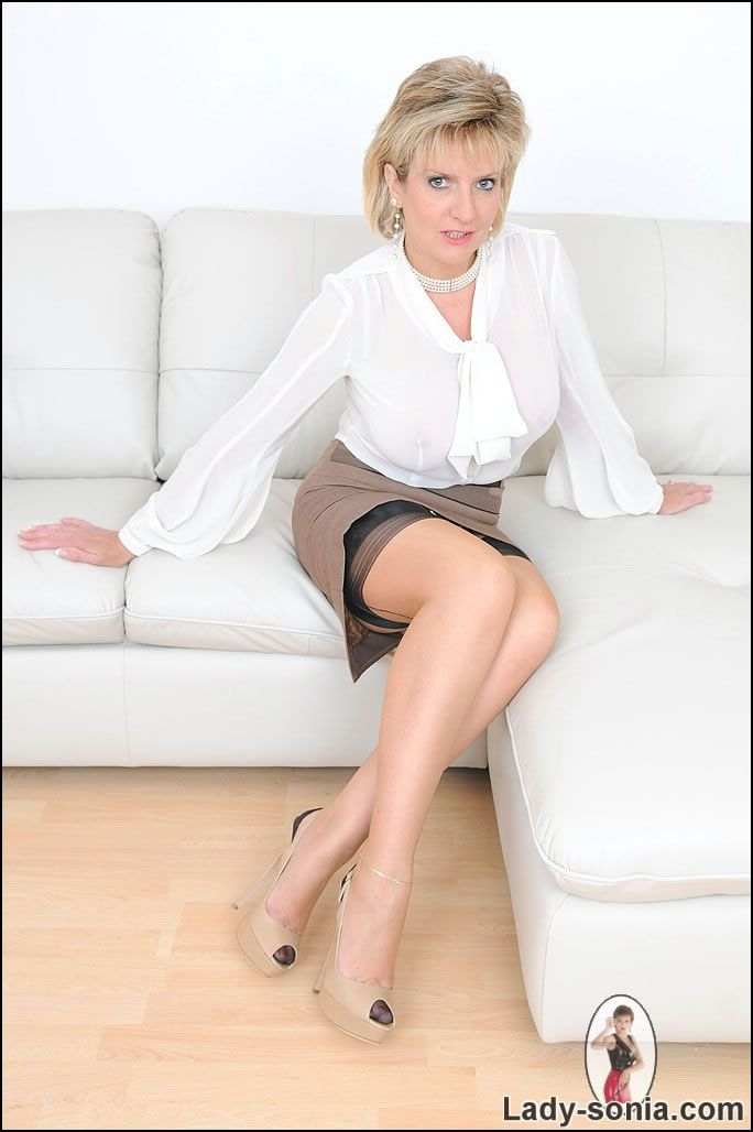oxford milf women The latest tweets from uk mature women 54k (@uk_mature_women) meet uk mature women for casual sex on our website uk.
