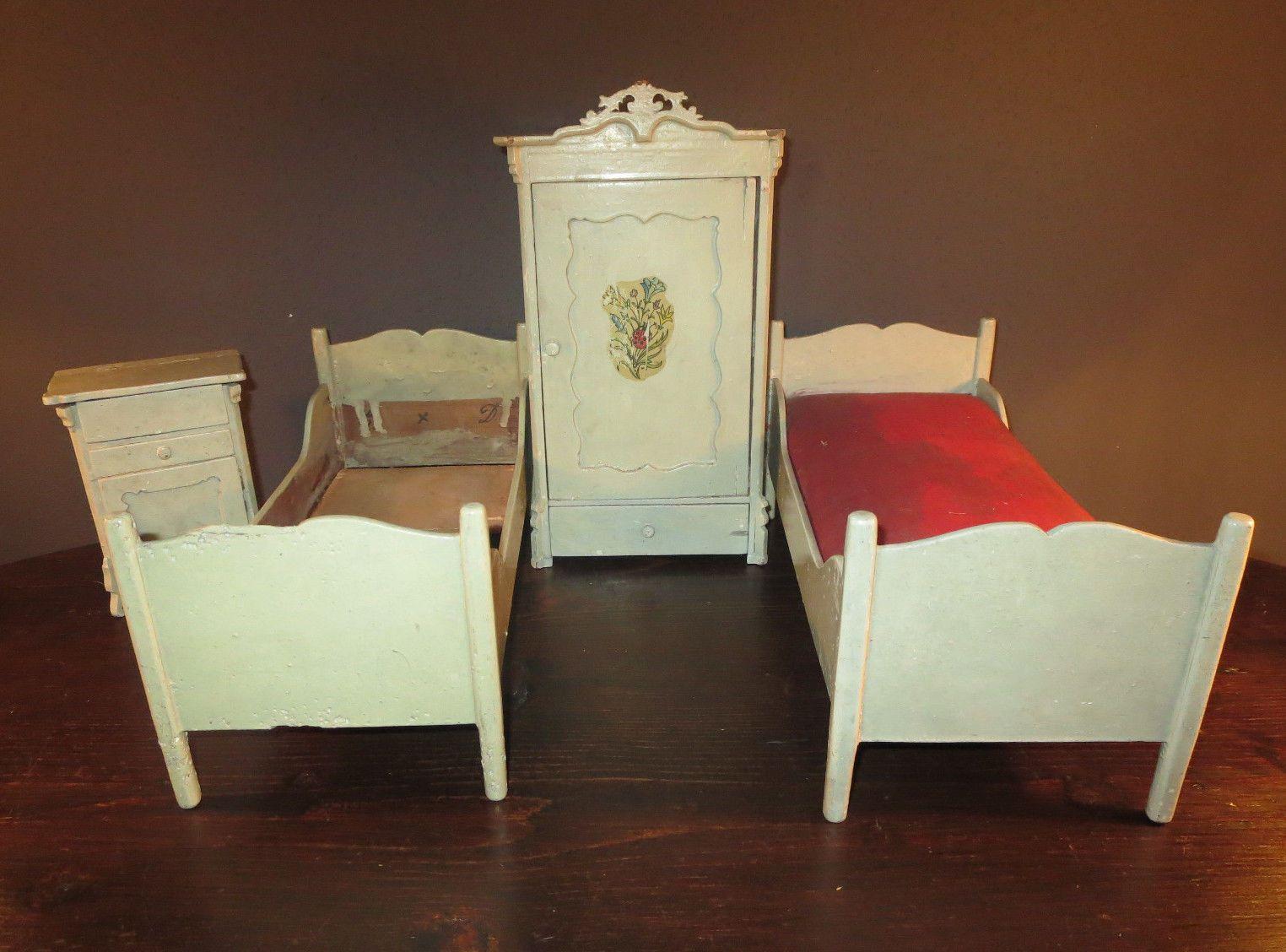 Antike Schlafzimmer ~ Antikes schlafzimmer um antike mÖbel fÜr die puppenstube und