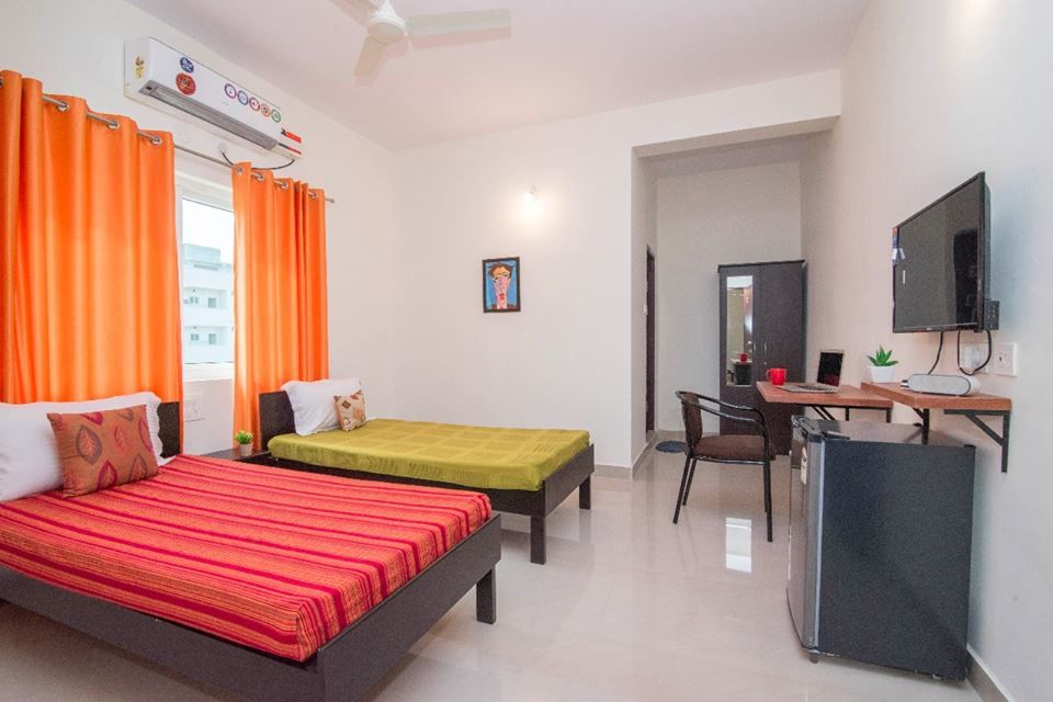 Bachelor Flatmates And Roomates In Gachibowli Hyderabad Living Quarter We Offer Deluxe Rooms With Rooms For Rent Furnished Studio Apartments Apartment Room
