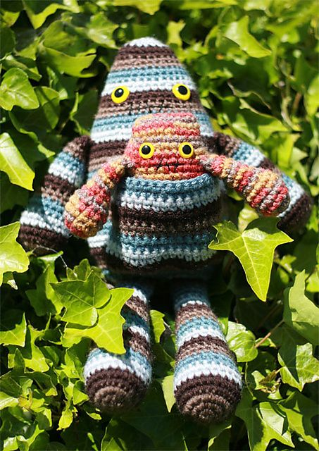 Ravelry: Amigurumi Momster and Baby pattern by Cynthia Sickler $6