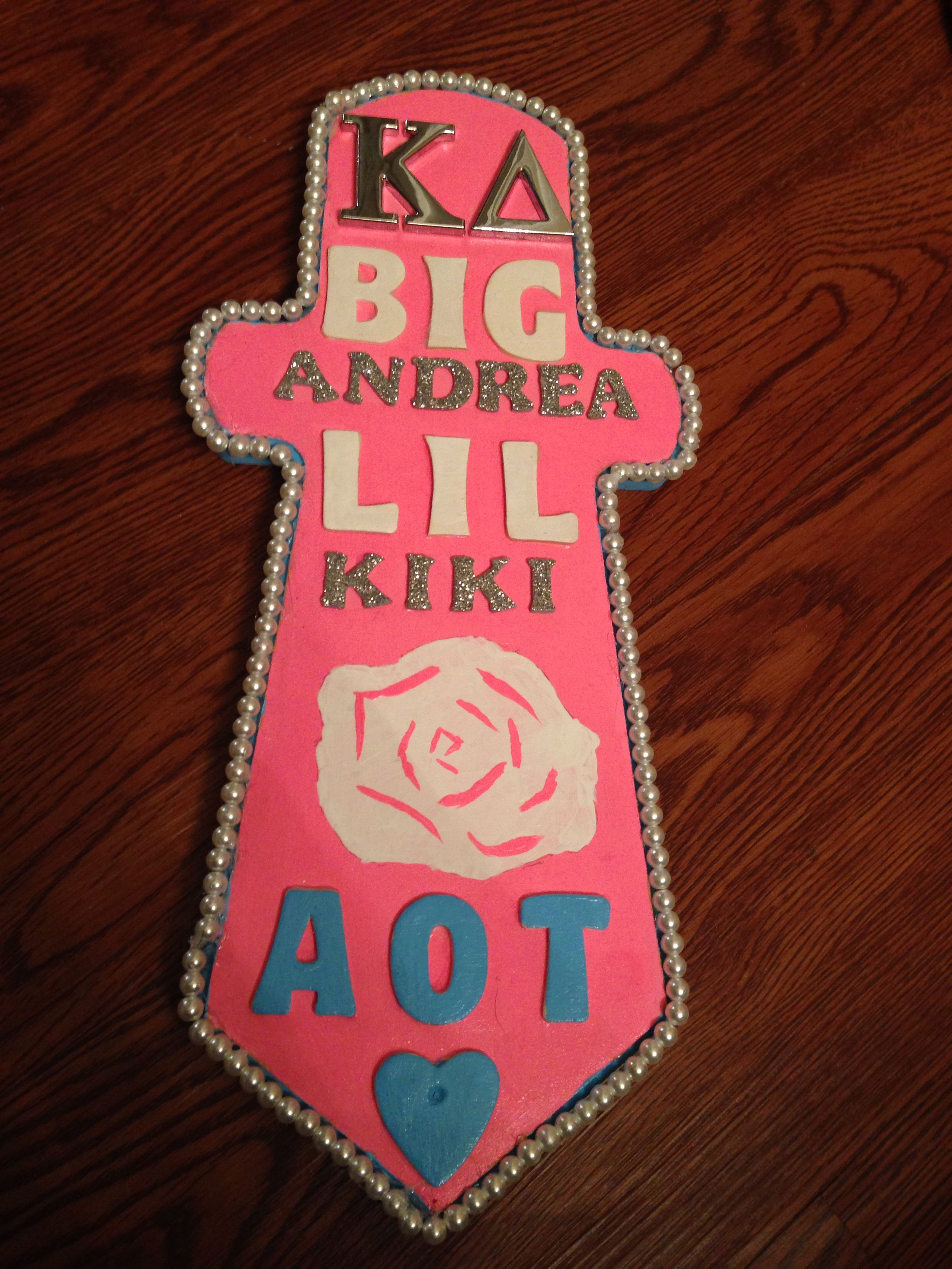 My Bigs dagger paddle I made!! So excited for initiation today!!! #inAOT #KappaDelta #paddle #UNT