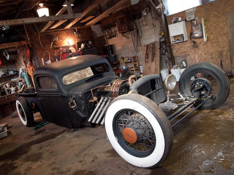 Old School; Man Cave !~:(~ | RUST & SUEDE | Pinterest | Rats and Cars
