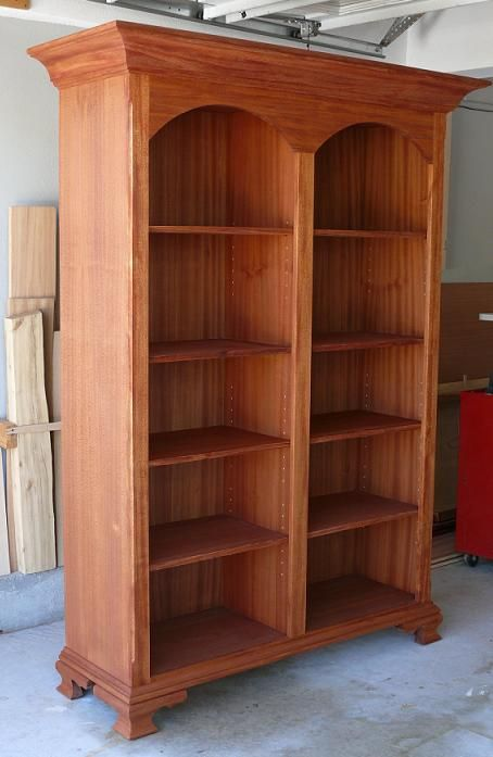 Display Bookcase - Reader's Gallery - Fine Woodworking