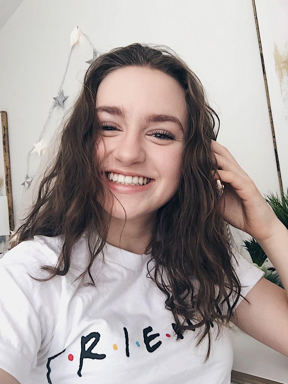 Selfie Sadie Gray