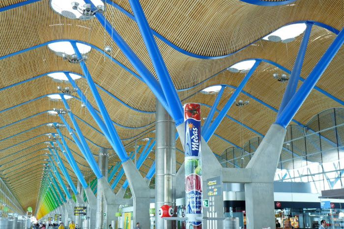 The Barajas Airport by Richard Rogers and Estudio Lamela ...