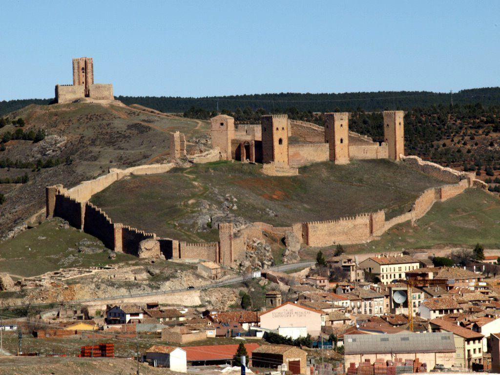 Los 100 Castillos Más Bonitos De España Castillos Castillo De Molina Lugares Increibles