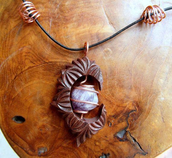 CIONDOLO CON AGATA di MassoGeppetto su Etsy, €40.00 #crafts #wood #jewelry #chipcarving