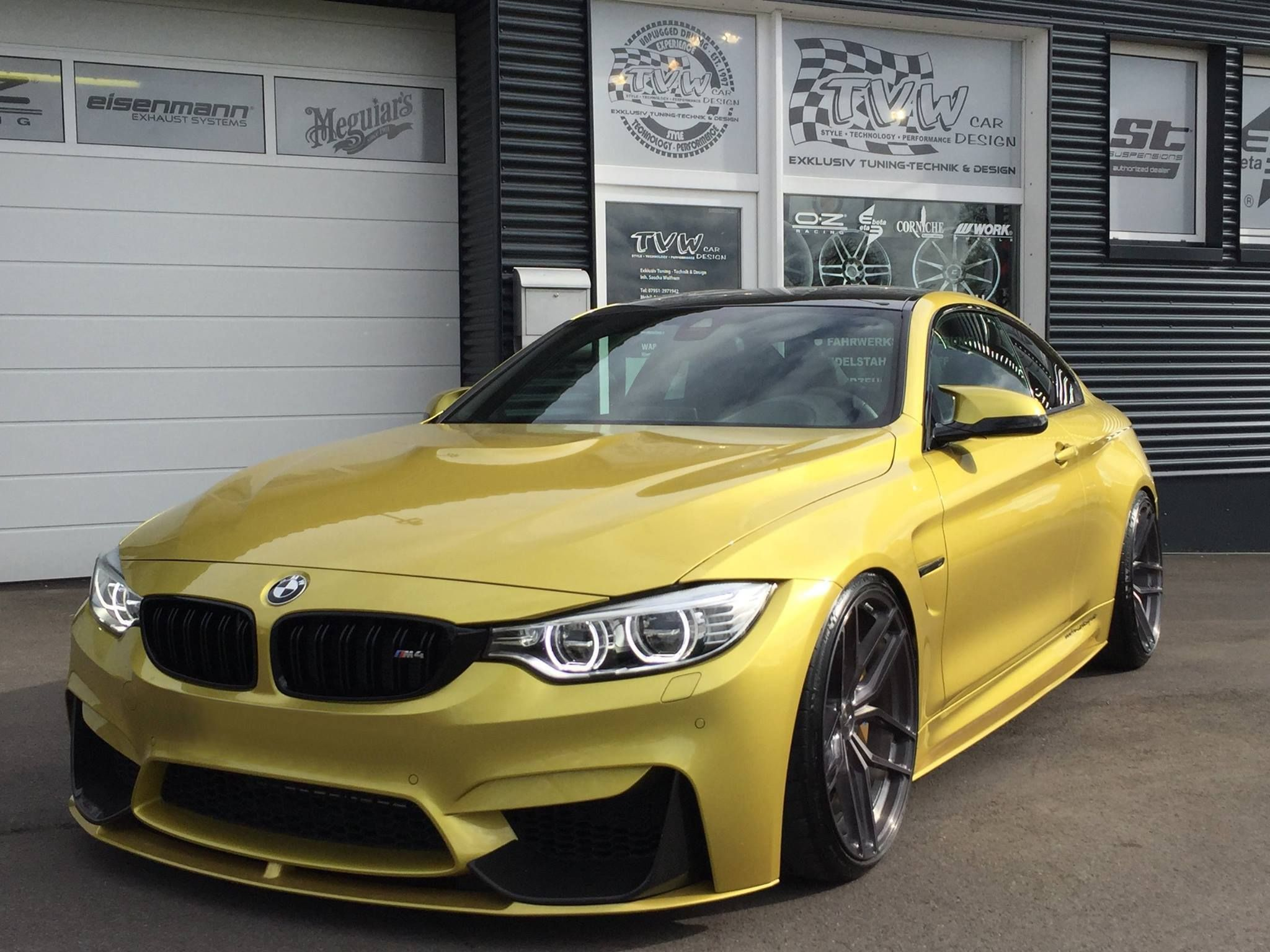 bmw f82 m4 coupe provocative eyes austin yellow. Black Bedroom Furniture Sets. Home Design Ideas
