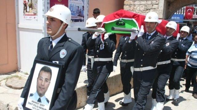 Şehit Polis Son Yolculuğuna Uğurlandı...işte ayrıntılar