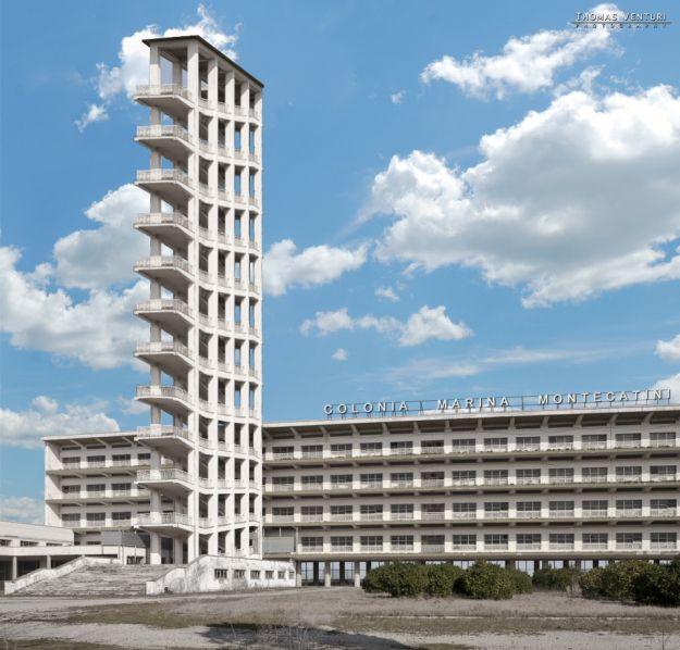 Abbiamo ricostruito con Photoshop la torre di 55m  e abbiamo rimesso il nome originale della colonia