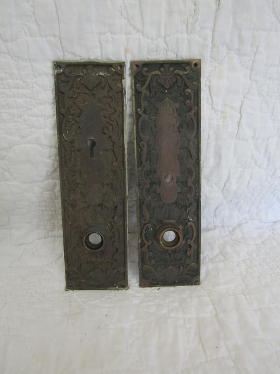 "OLD BRASS DOOR PLATE.../"" AS FOUND /"" ORNATE DETAIL.. NICE BRONZE"