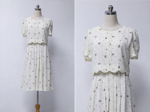 cf5abaa895f5 Vintage 80s White Floral Pleated Summer Dress