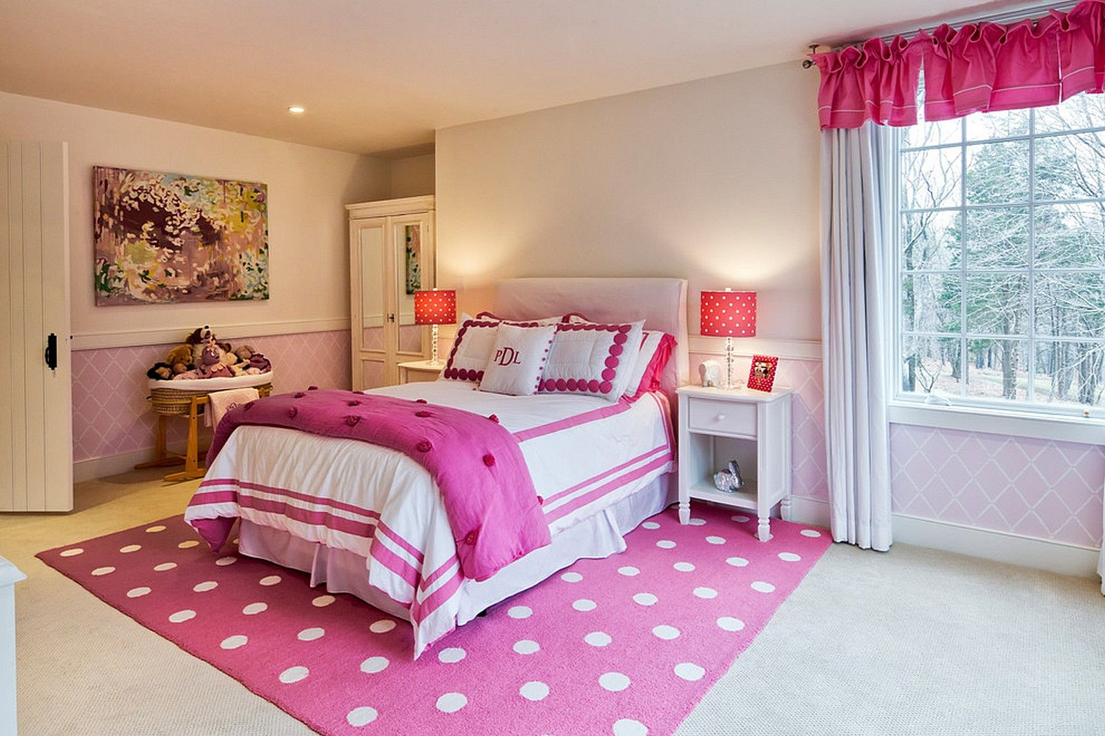 Bedroom:Polkadot Pink Rugs Ceiling Lighting Modern Bed Glass ...