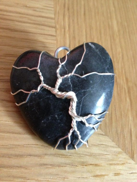 Silver Wire Tree of Life Heart Pebble Pendant (Black)