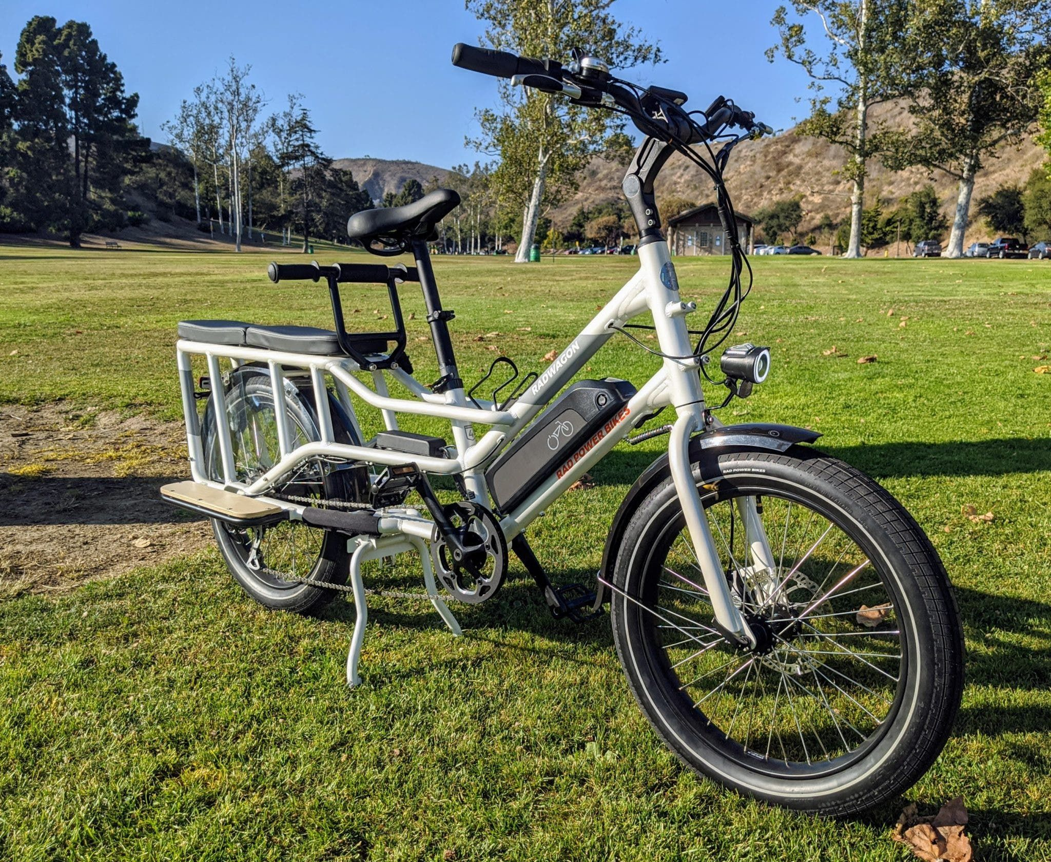 Pin By Cedric Moire On E Bike In 2020 Electric Cargo Bike Cargo Bike Bike