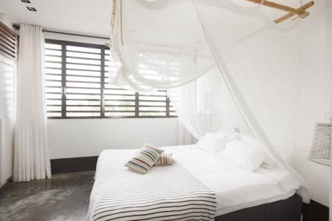 Bedroom in white Pure Villa Lila #purevillas Ideen für das