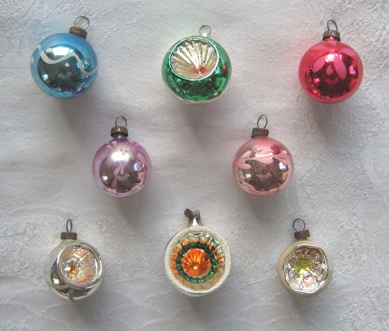 selection of eight vintage glass christmas tree baubles decorations four dimpled c1950s sold wwwvanishederascom