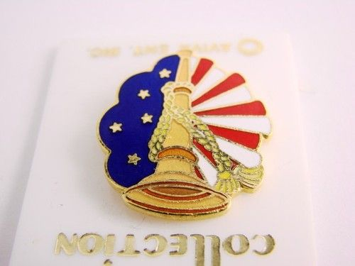 Vintage Bicentennial Collection Patriotic Liberty Bell Enamel Pin 1976 $0.99