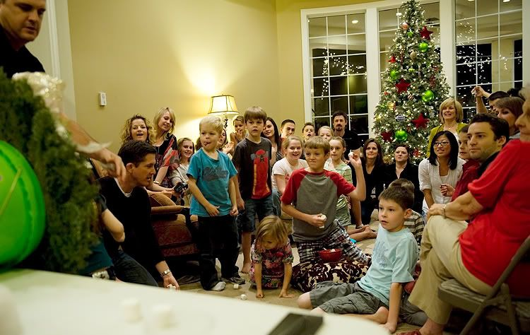 Christmas Party Family Games Ideas Part - 23: A Not-So-Silent Night - Fun Family Games To Play When You Get Together For  Christmas! Awesome Christmas Minute To Win It Games!