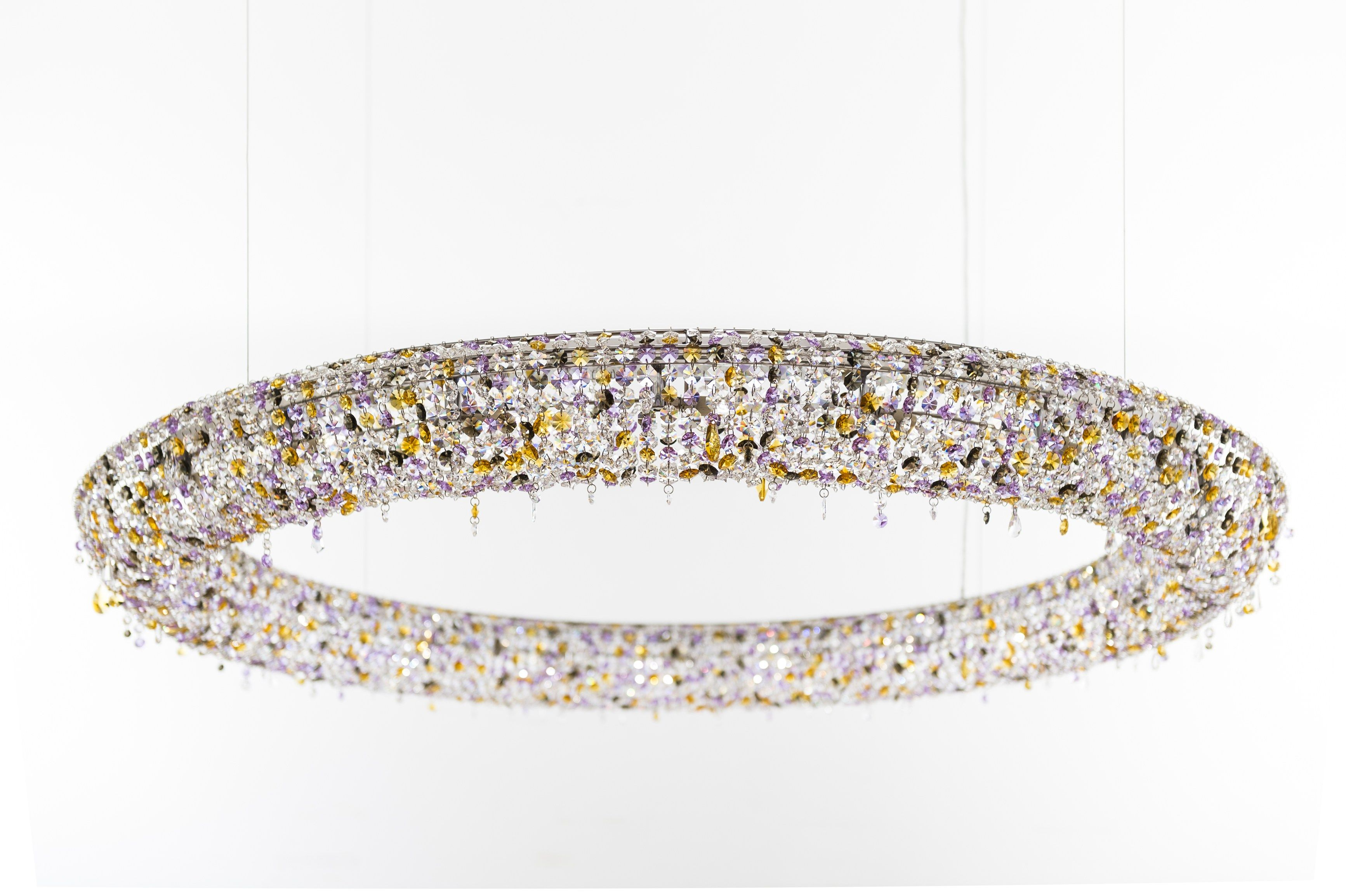 Looop crystal chandelier #Manooi #crystalchandelier #chandelier #lighting #design  #Looop #luxury #furniture