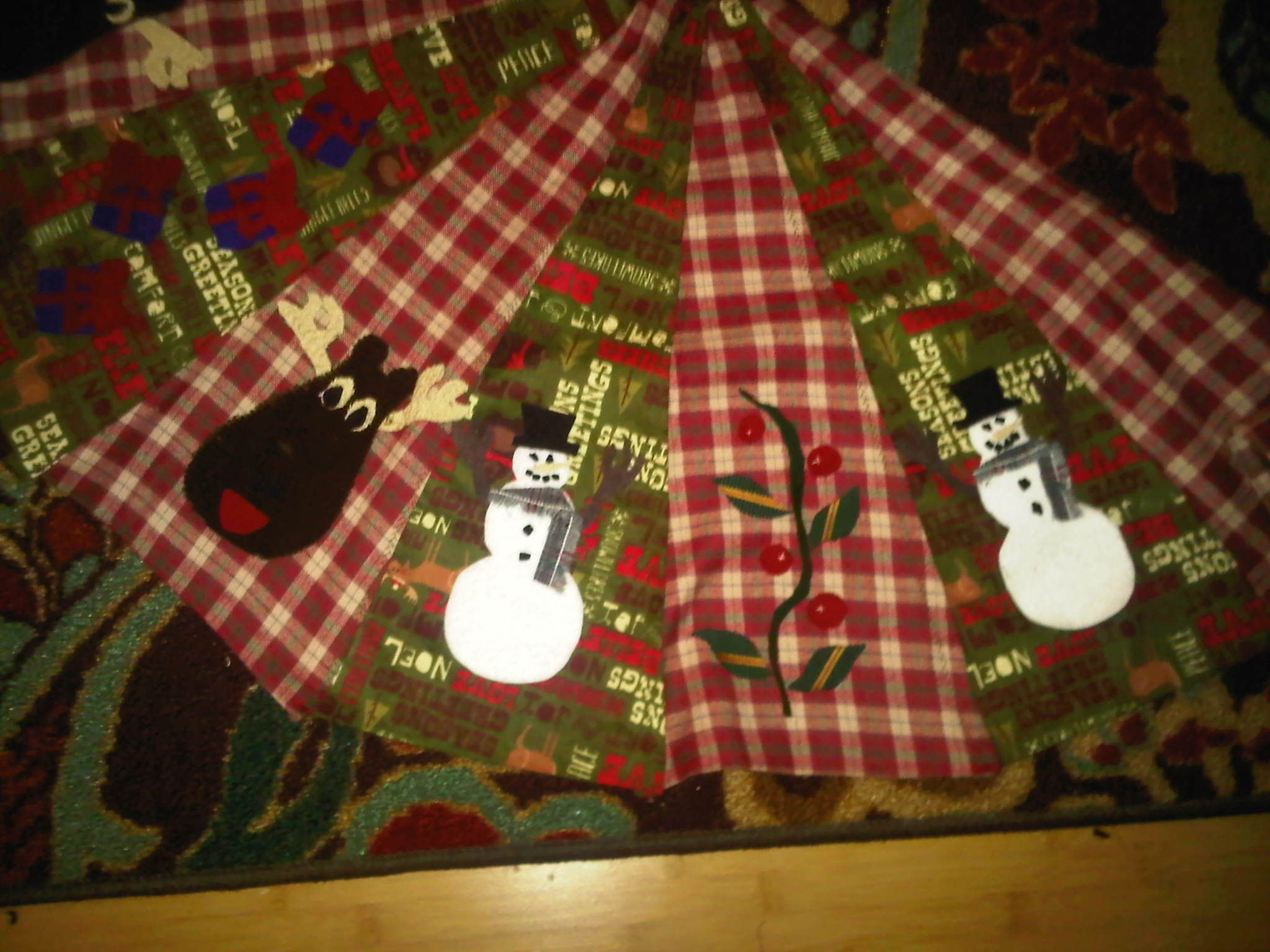 Homemade snowmen & reindeer tree skirt Christmas tree