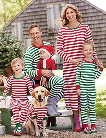 d5d71478e582 Matching coordinated holiday pajamas for the whole family (Hanna ...