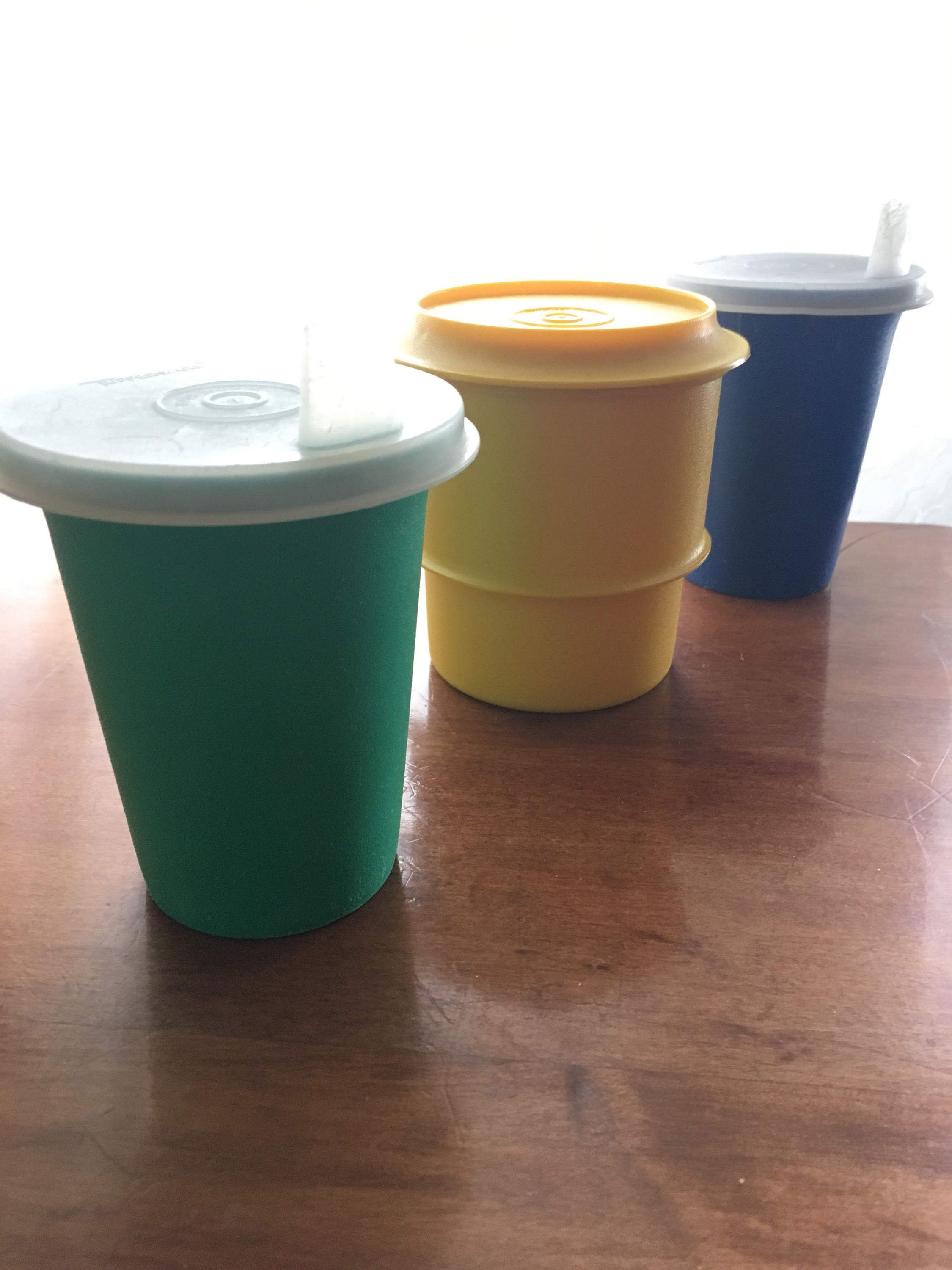Reduced vintage tupperware coffee mugs and pitcher