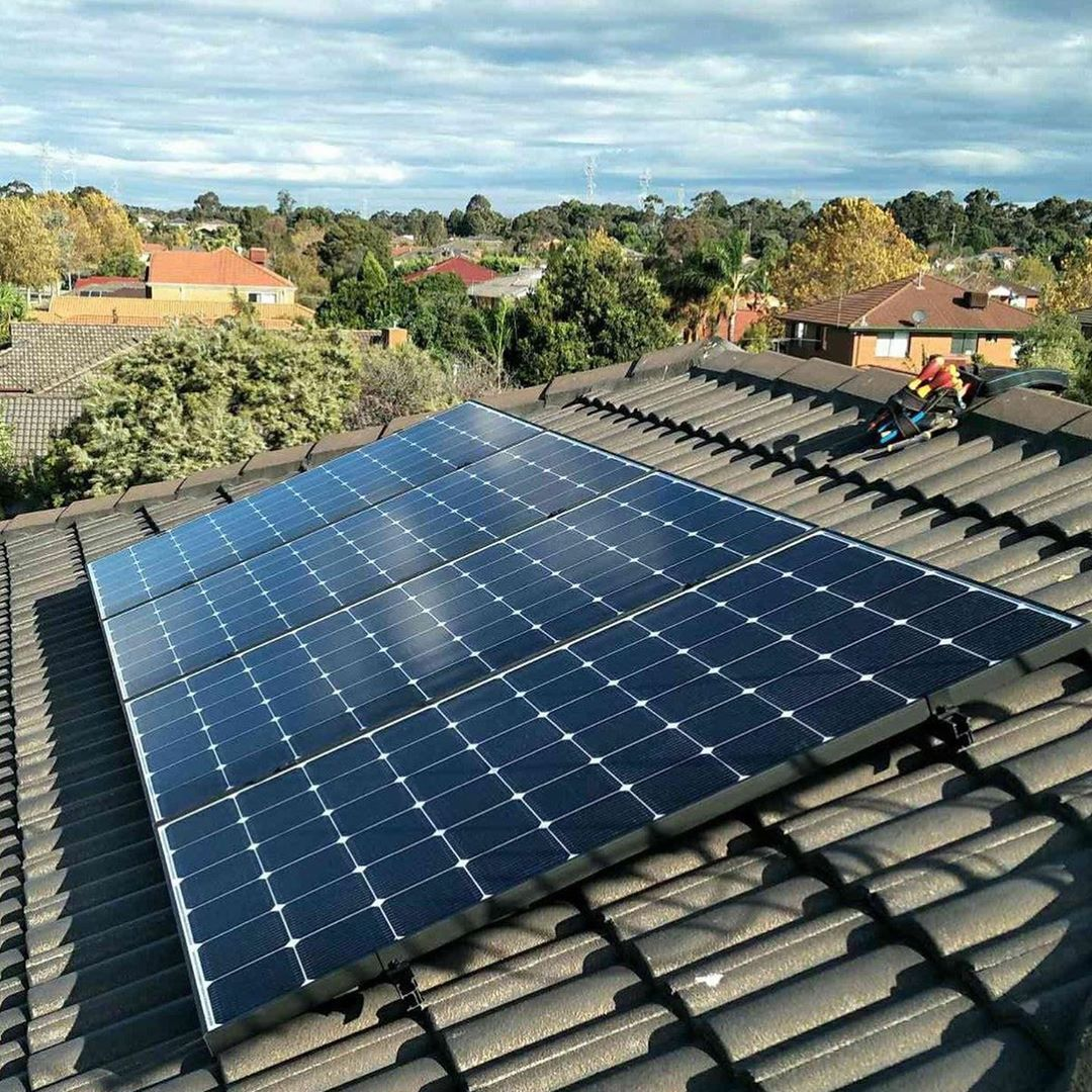 New The 10 Best Technologies Today With Pictures Sunny Rowville And A Neat 5 44kw Lg Enphase System Installe Roof Solar Panel Solar Panels Installation