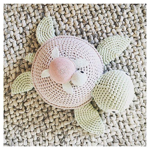 PERSPEKTIV.  #crochet#crocheting#hæklet#hækling#hæklerier#diy#kidsdecor#krea#yarn#crochetanimal#häkeln#virkat#hekle#hekling#crochetlove#hekledilla#craft#amigurumi#amigurumis#hekle#virkning#virka