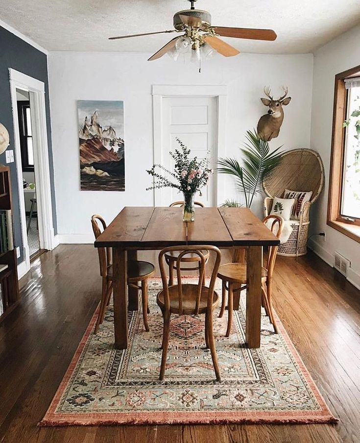 16 Absolutely Gorgeous Mediterranean Dining Room Designs: I Think The Rug Is Too Small For This Room.. It Will Get