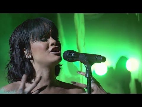 Rihanna Love On The Brain Live At Billboard Music Awards 2016 Hd Omg So Loving This Song Lyrics Rihanna Love Rihanna Music Billboard Music