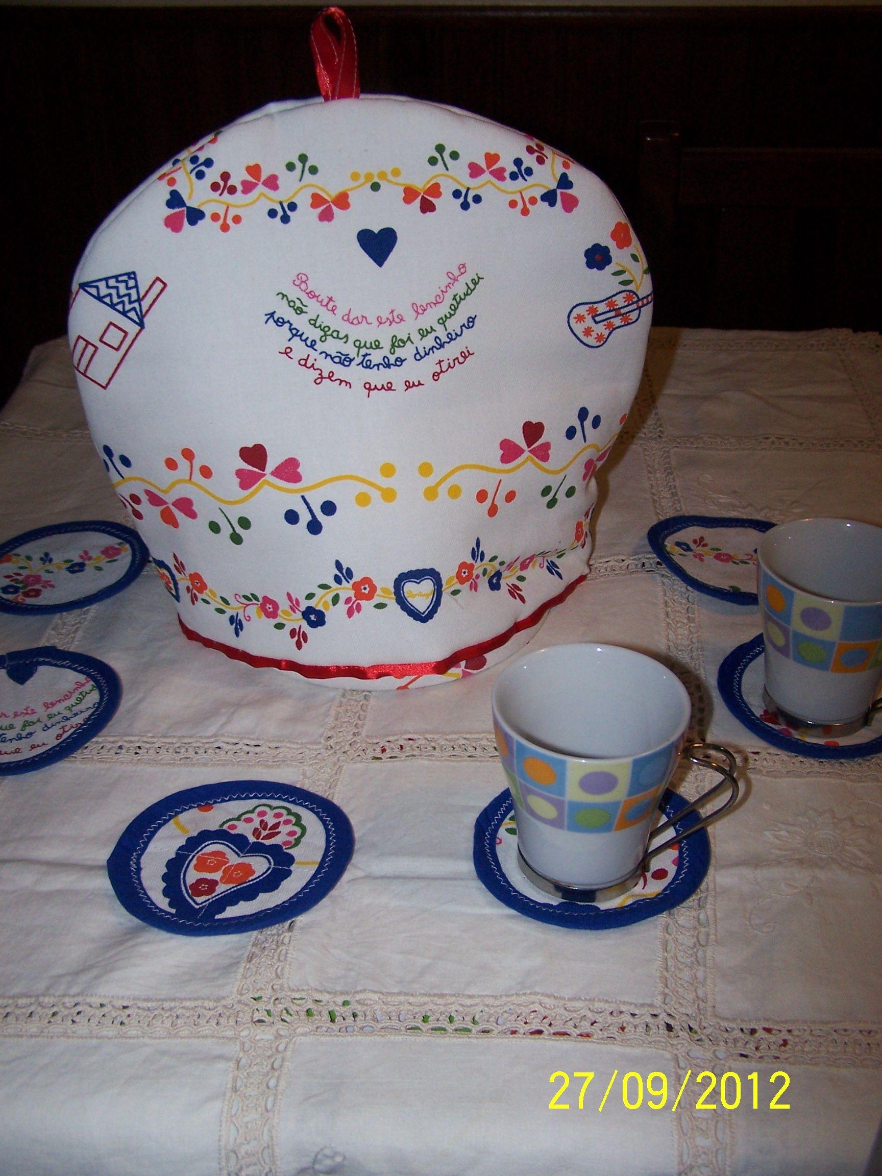 Abafador de bule e bases para chávenas | Tea cosies | Pinterest