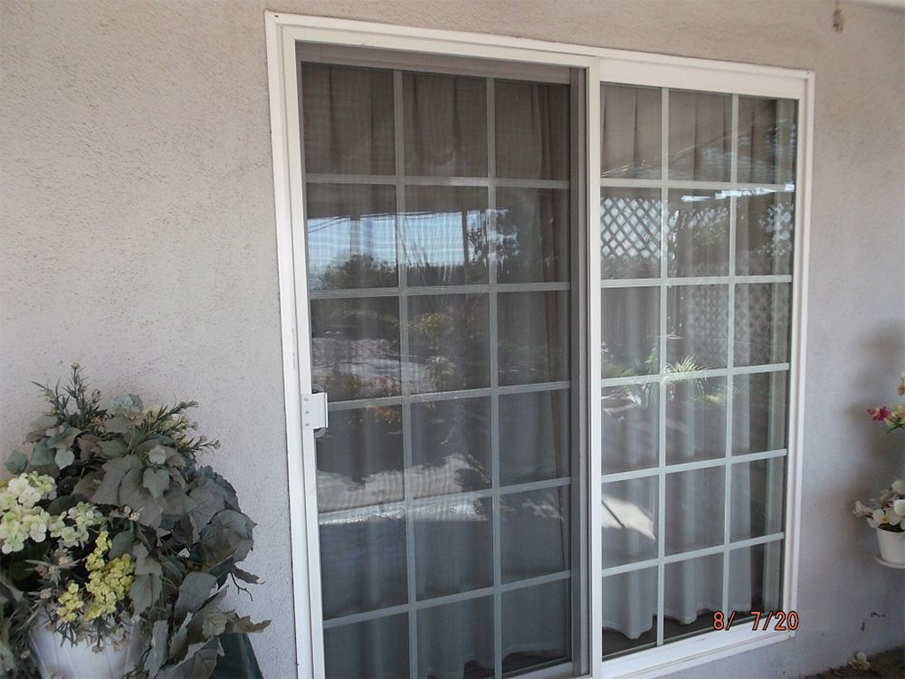 Bradswindowcleaningoc Com Brad S Window Cleaning Is A Locally Owned Business Providing Outstanding Service To Tustin Ca Anaheim Hills Windows Window Cleaner