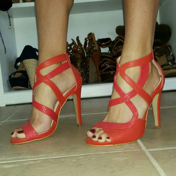 NEW Red high heels 3.75 inch heel. Zip back. Small snake