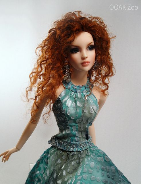 Tonner BJD Cinderella/Cami Repaint by Toy Zoo, via Flickr : fabulous Cinderella doll !
