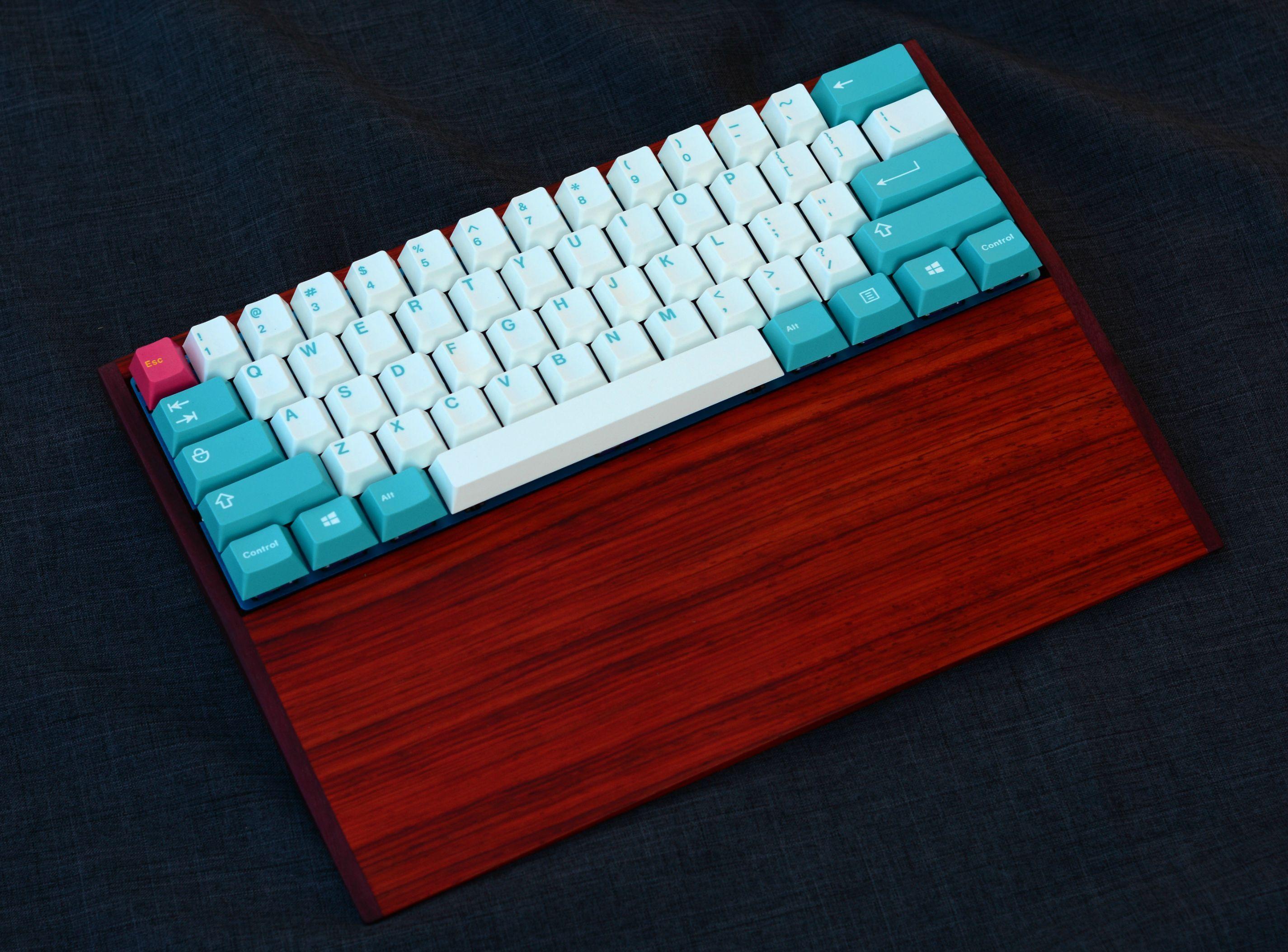 Nubbinator\u0027s 60% build with custom wooden case, FaceW PCB, 67g ...