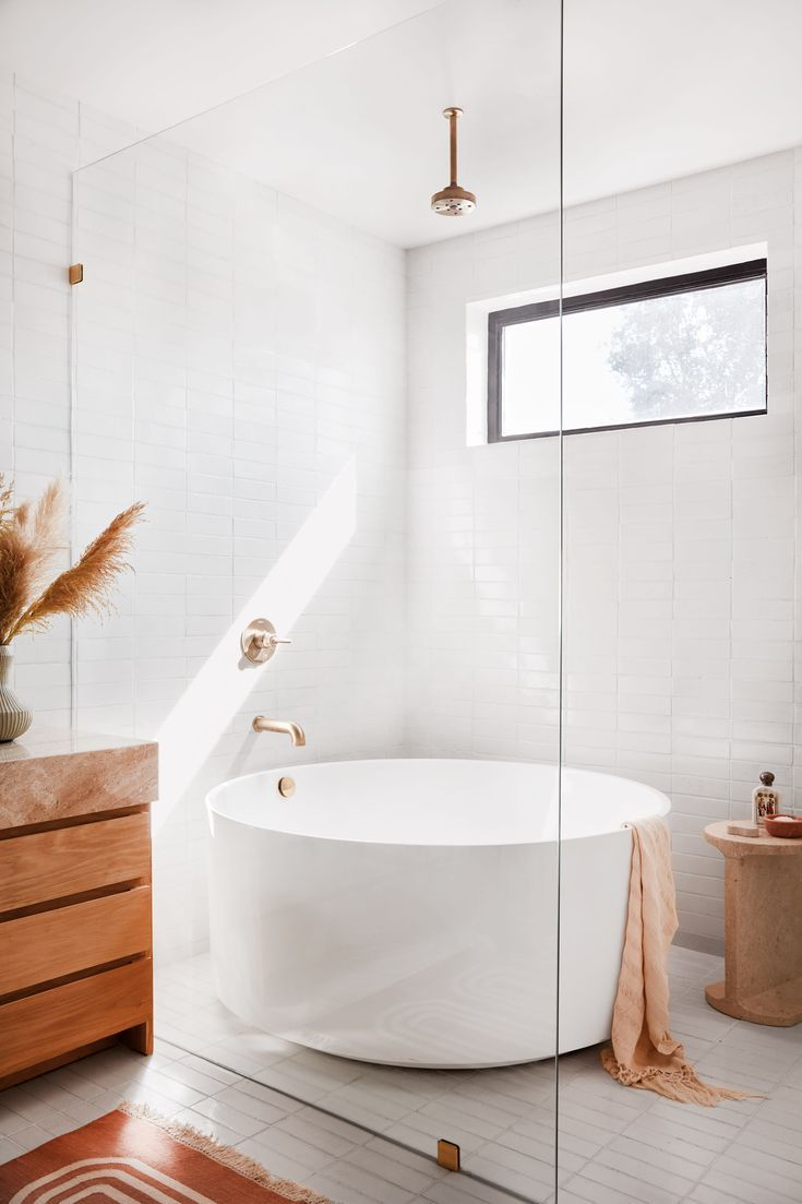 6 Details We're Stealing From Garance Doré's Breezy California Bathroom #SOdomino #room #interiordesign #furniture #property #floor #bathroom #tile #plumbingfixture #tap #bathtub