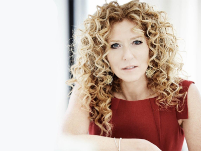 Kelly Hoppen Long Layered Hair Curly Hair Styles Kelly Hoppen