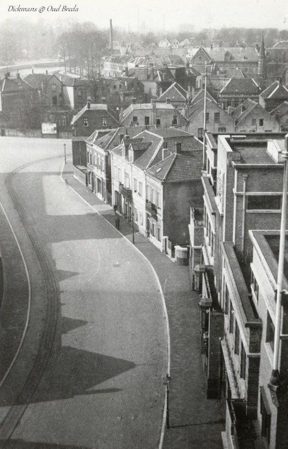 Rechts het hoofdkantoor van bierbrouwerij de Drie Hoefijzers (Ceresstraat 13).1960