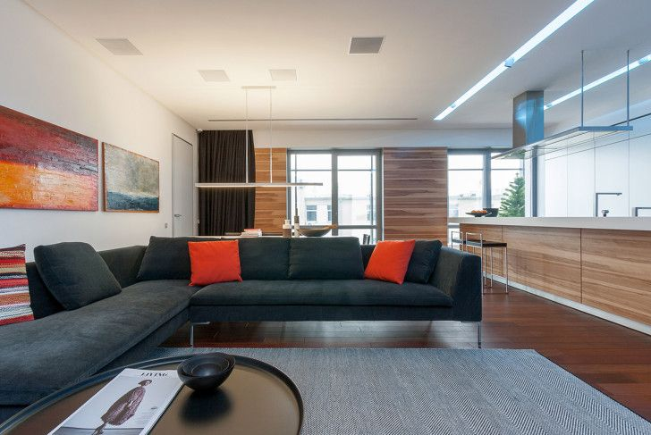Interior modern sectional red chusion colorful contemporary room for a interisting couple