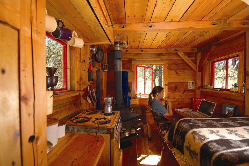 Interior Of The First Potomac Cabin The Tiny House Idea